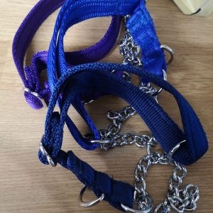Small martingale collars